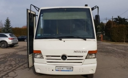 Mercedes-Benz Mediano 815D '2004